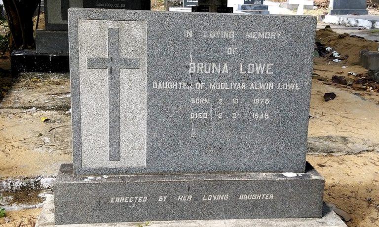 Grave06