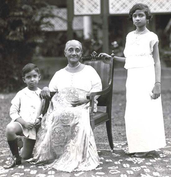 Lorna and Errol de Fonseka with their grandmother Alice de Fonseka. (Around 1927)